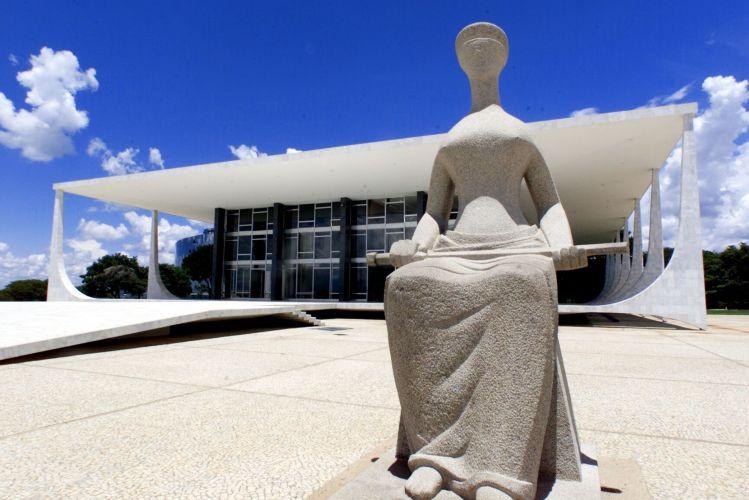 stf-estatua