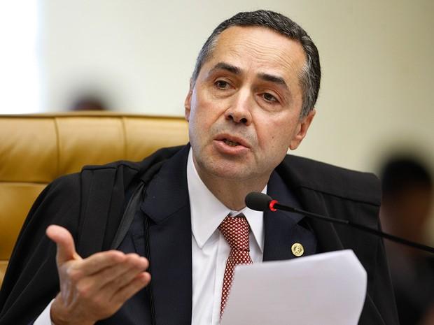 Ministro Barroso suspende lei de Alagoas que criou programa EscolaLivre