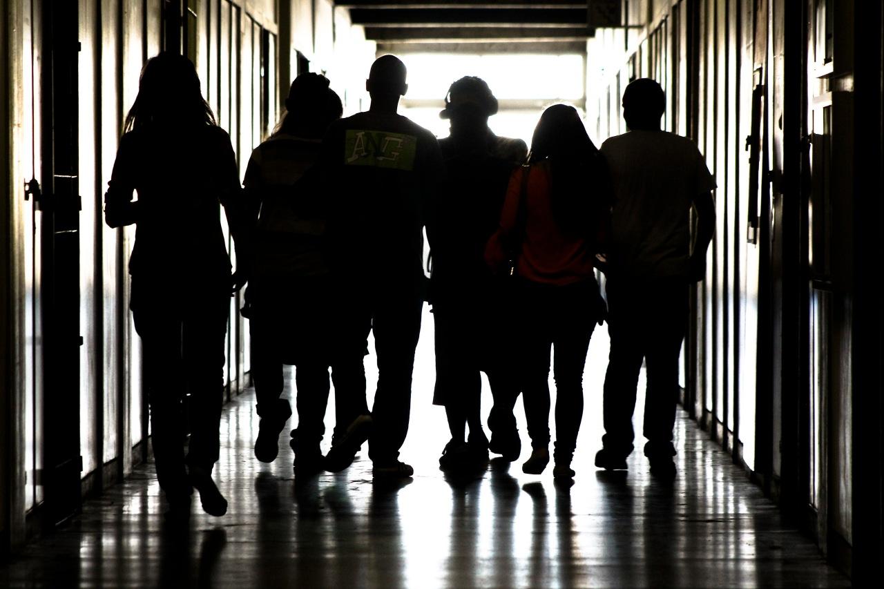 Documentário traz desafios e motivações de jovens naEJA